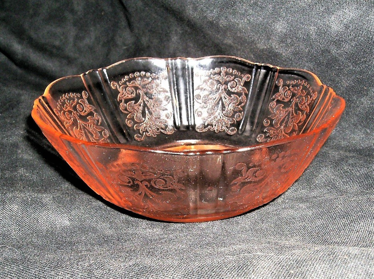 Macbeth-Evans American Sweetheart Pink Depression Glass Berry Bowl